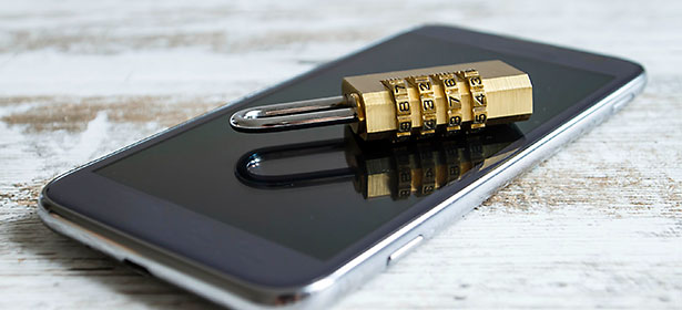 mobile-phone-security-main-image-padlock-on-mobile-464790